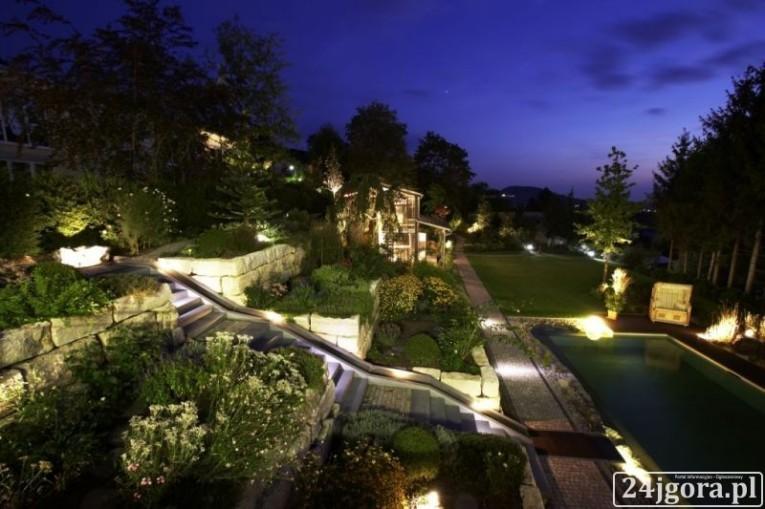 Podświetlenie ogrodu